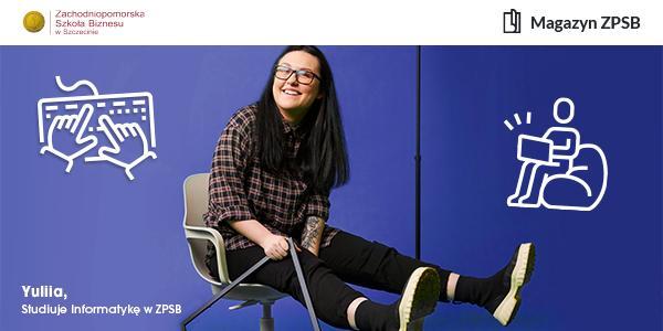 Siedząca na krześle studentka Zachodniopomorskiej Szkoły Biznesu w Szczecinie